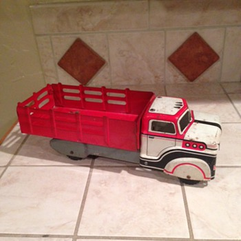 Another Marx Truck  - Model Cars