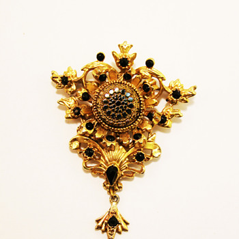 Vintage Sphinx Victorian Brooch - Costume Jewelry