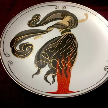 Collectible porcelain plate