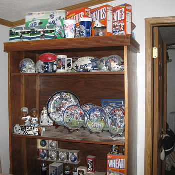 Cowboys collectibles - Football