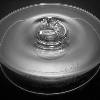 GUNTHER UECKER  399/3000   DATES 1975 - Art Glass