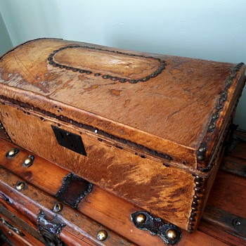 Antique Rawhide Trunk 1820's - Furniture
