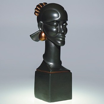 "Waylande Gregory  ""Congo Head""  for Cowan Pottery. - Art Deco"