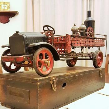 """A.C. Gilbert Erector 1926 """"Whites 7 1/2"""" Truck!"""