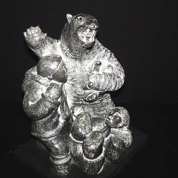 "Native american""Inuit Struggle with Polar Bear""Bronze"