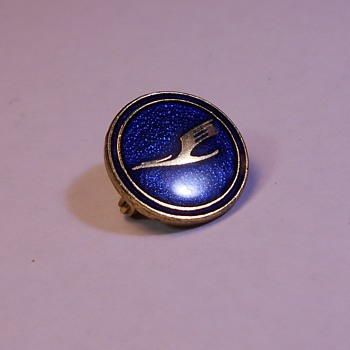 Deutsche Luft Hansa Pin - Has Anyone Seen These Before??? - Medals Pins and Badges