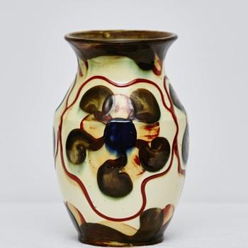 Vase by Andersson & Johansson, Höganäs (Sweden), ca. 1920 - Pottery