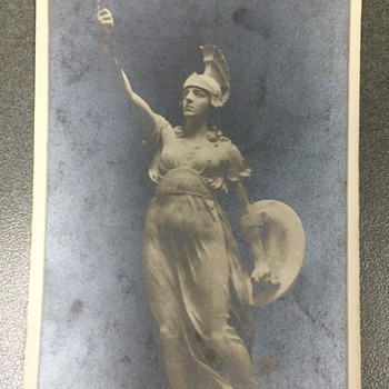 OLD RPPC CAN NOT FIGURE OUT THIS MONUMENT OR STATUE'S NAME????? - Postcards