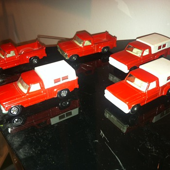 Matchbox Ford trucks: Superfast and regular wheels...