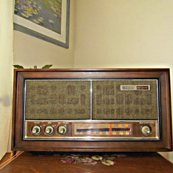 Old GE Tube Radio