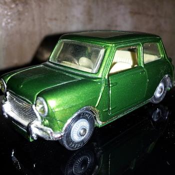 Corgi #334 Mini Magnifique.
