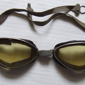 1930's motorcycle goggles - Accessories