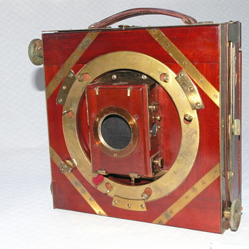 "Thornton-Pickard ""Royal Favorite"" Field Camera, 1909. - Cameras"