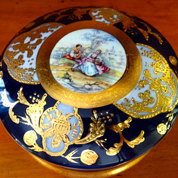 BLUE AND GOLD POWDER CASE/ BOX PORCELAIN - Art Pottery