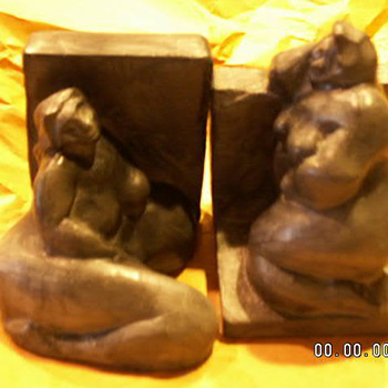 "1994 ""Rubenesque Nude Women"" Sculptures Signed (Paul) Strauch 94 - Art Pottery"