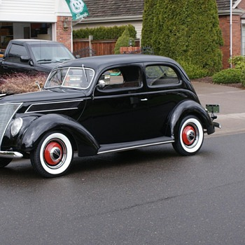 1937 Ford - Classic Cars