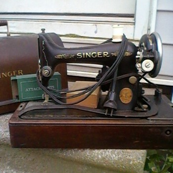 Looking for a value on this Singer portable electric sewing machine No. 99-13