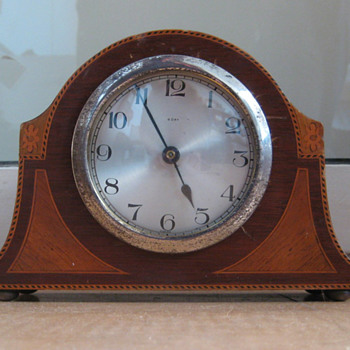 Small inlaid English timepiece mantle clock ca.1910 - Clocks