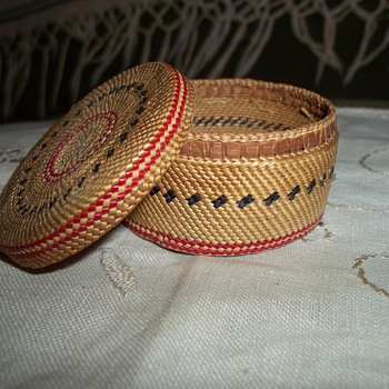 Fine Miniature Makah Basket