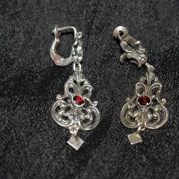 835 Silver and Garnet Vintage Earrings  - Fine Jewelry