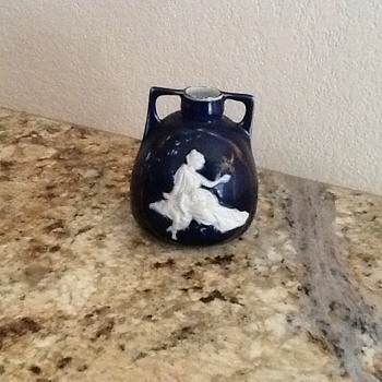 Small blue cameo vase or jar