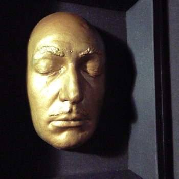 Salvador Dali golden death mask