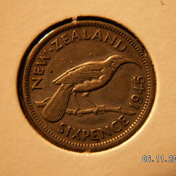 1945 New Zealand 6 Pence - World Coins