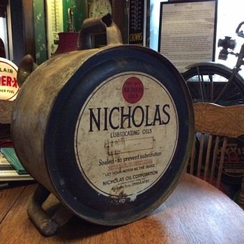 "1920's ""NICHOLAS LUBRICATING OILS"" five gallon rocker can - Petroliana"