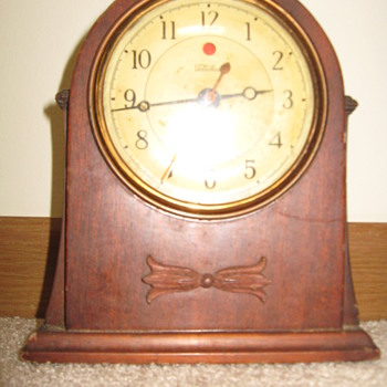 Telechron electric wooden mantel clock
