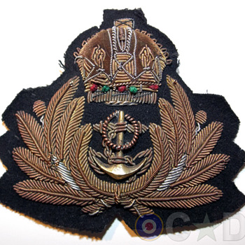 First World War Royal Navy Officer's cap badge.