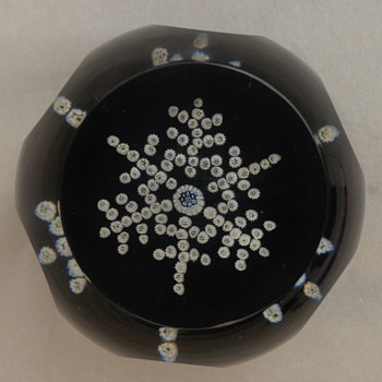 Whitefriars Caithness Christmas Paperweight Snow Crystal 1981 - Art Glass