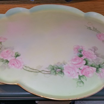 Lucile Wallace Plate 1914 with stamp. Bowls have different stamp?