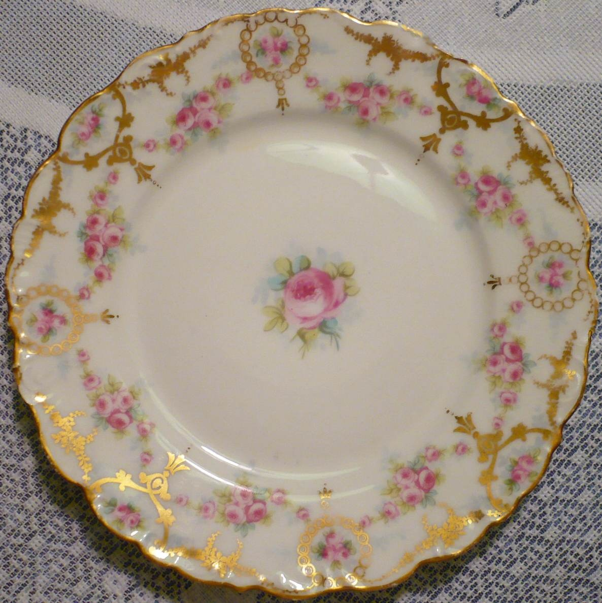 How to Identify Antique Dinnerware advise