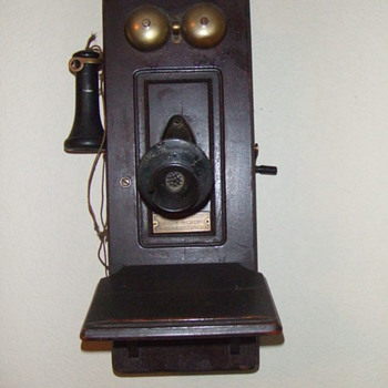 Old Wall TelePhone