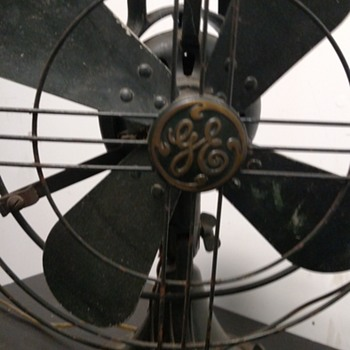GE ocelating 3 speed fan