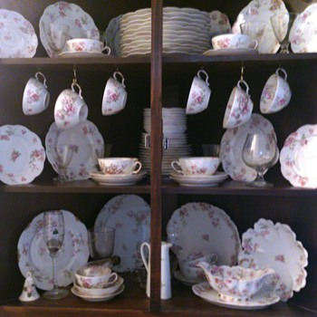 Haviland France Limoges ~ Nearly full set for 18