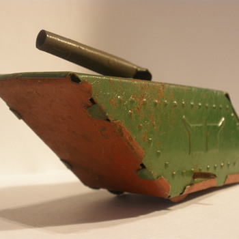 WWI style tank, painted tin with no mechanism. 1920's?
