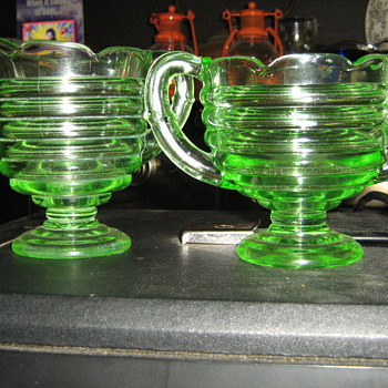 Green cream and sugar set - Glassware