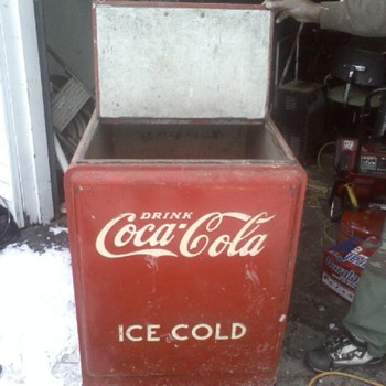Coca Cola cooler chest circa 1930's - Coca-Cola