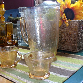 Floragold Pitcher and Cups - Glassware
