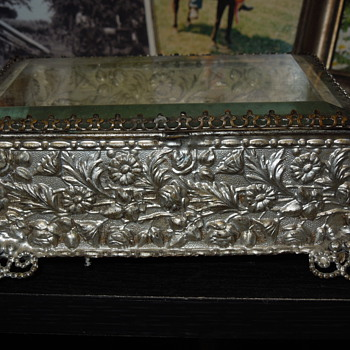Glass/ thin metal jewelry box? 