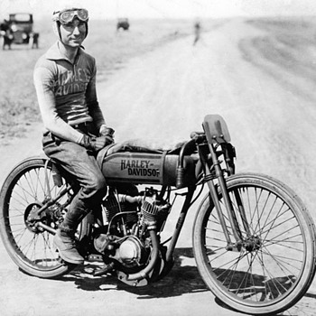 Harley Davidson racing bike photograph - Motorcycles