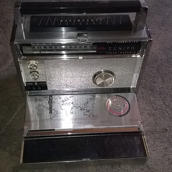 1967-zenith trans-oceanic multiband radio.