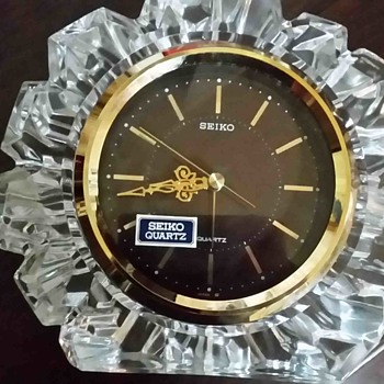 Seiko table clock