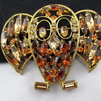 Vintage Rhinestone Figural Owl Pin - Costume Jewelry
