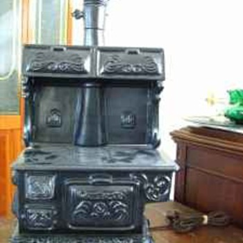 Ayner's Wood Burning Stove Lamp (Electric)