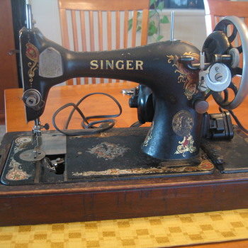 My new treasure! Singer Sewing Machine - Sewing