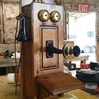 Ring-A-Ding Ding - Telephones
