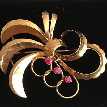 SE 18k brooch - Fine Jewelry