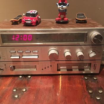 1970's SearElectronics cassette 8 track transition piece - Radios